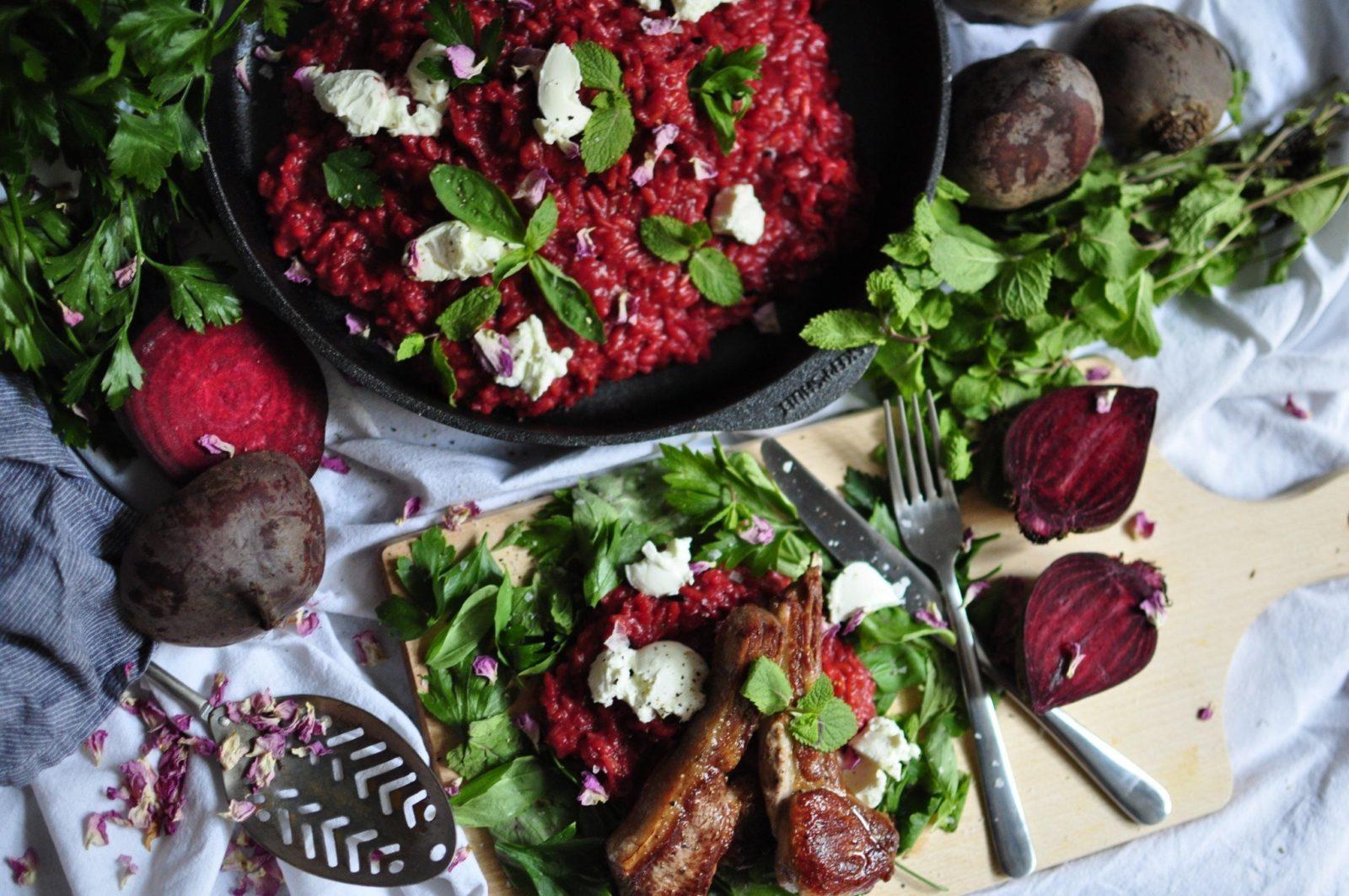 Rote Rüben RIsotto mit Ziegenfrischkäse, Lamm und Kräuter
