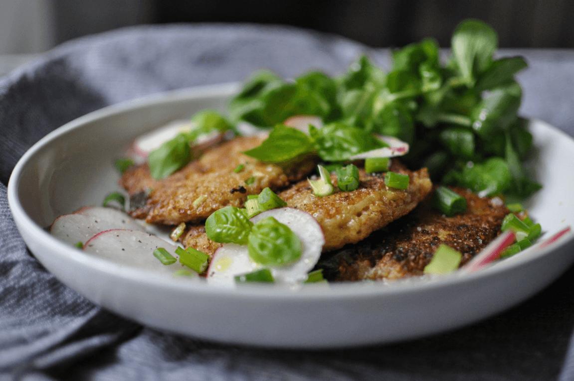 Frühstück Quinoa Puffer mit Salat